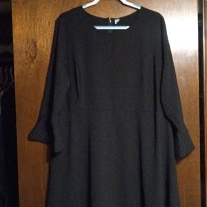 👗Old Navy Bell Sleeve Dress 👗